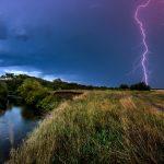 Штормовое предупреждение объявлено на 14 июля. Ожидаются сильные грозы с порывами ветра до 15-20 м/с